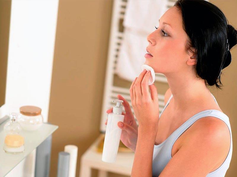 Выбор ухаживающей косметики для лица: на что обратить внимание